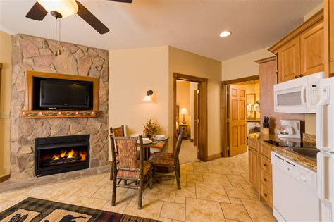 hotels with 2 bedroom suites in gatlinburg tn resort photos gatlinburg pictures westgate smoky