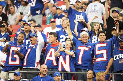 new york giants fans the nfl playoffs a study in poor sportsmanship sports chump