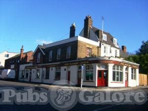 Exclusive Alecs Verbal Assault Airport Incident Shocked Witnesses by The Railway Tavern In Stanford Le Pubs Galore