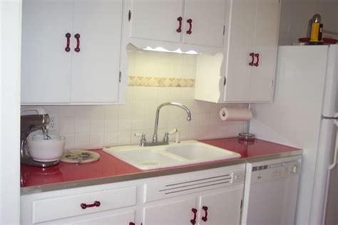 Retro Kitchen Counter Tops: BarsandBooths.com