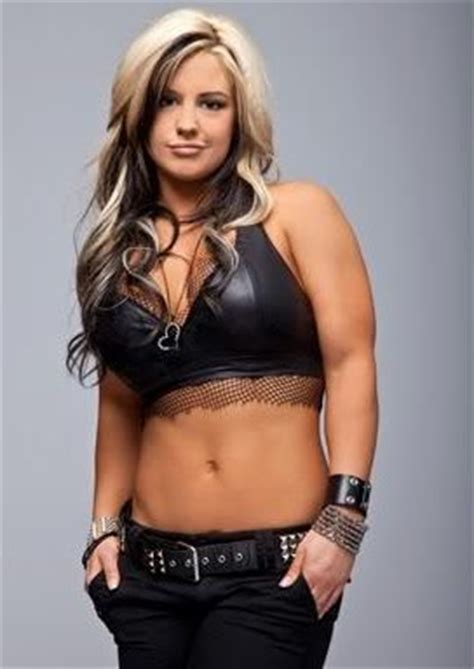 what hair extensions do the wwe divas we 17 best images about awesome divas on pinterest sasha