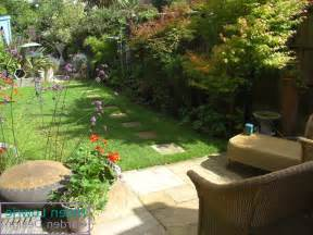 Design Ideas For Small Gardens Lawn Garden Gardenandpatiosmallfront In Garden And Patio Small Front Small Yard Landscaping