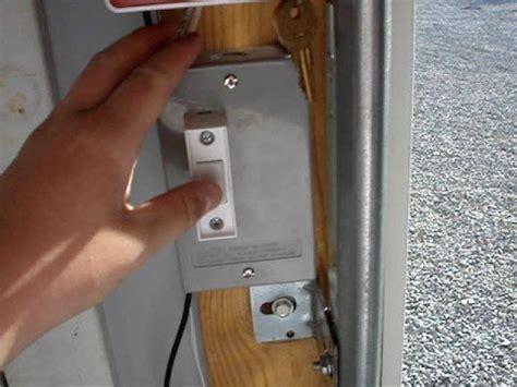 Garage Door Open Alert by Emergency Garage Door Opening Rig Alarm