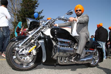 Motorrad Canada by Sikhs Ask Ontario If They Can Ditch Helmets Canada Moto