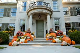 fall decorations for outside the home 125 cool outdoor halloween decorating ideas digsdigs