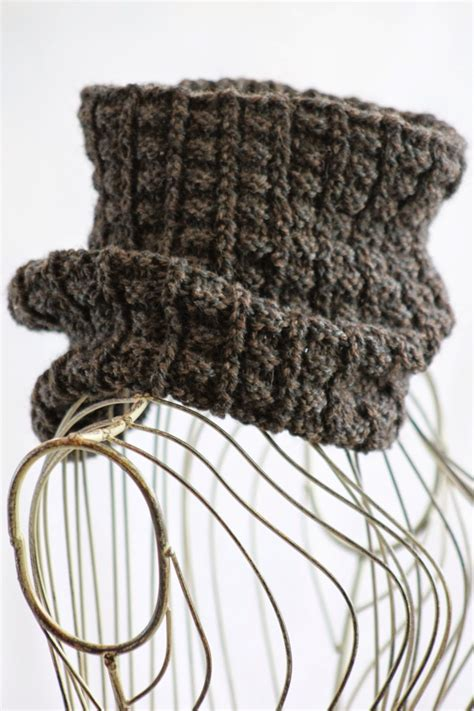 easy knit projects 15 easy knitting projects made with one of yarn the