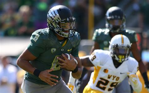 marcus mariota cowboys search results dunia pictures 2 oregon stomps wyoming 48 14 fanatix