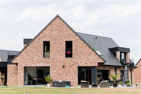 garage moderne avesnes sur helpe maisons contemporaines arlogis nord 59 constructeur