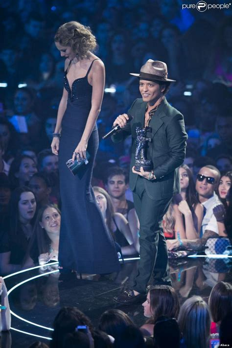 bruno mars height taylor swift the gallery for gt bruno mars and taylor swift height