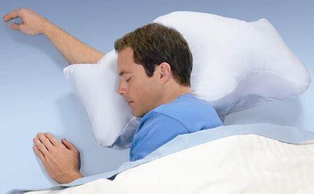 Brookstone Anti Snore Pillow by Brookstone Kicks Out Anti Snoring Sona Pillow