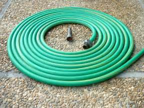 garten wasserschlauch file garden hose jpg wikimedia commons