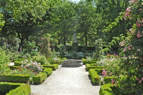 imagenes de jardines botánicos jardines bot 225 nicos con plantas medicinales en espa 241 a