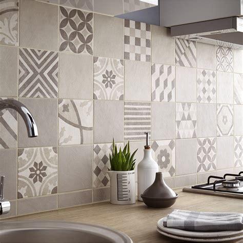 carrelage cuisine sol leroy merlin carrelage sol et mur beige elliot l 15 x l 15 cm leroy
