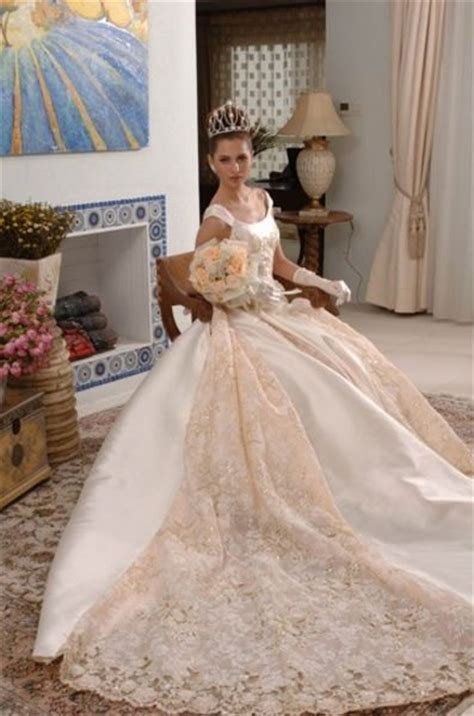 wholesales classical  shipping loyal europe style white lacesatin wedding dress  wedding