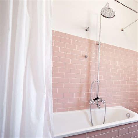 Badezimmer Fliesen Rosa by Best 20 Pink Tiles Ideas On