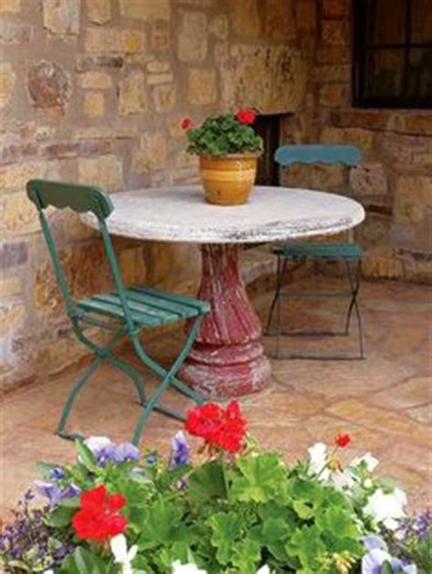 Bird Table With Planter Base by 1000 Images About Bird Bath Ideas On Bird