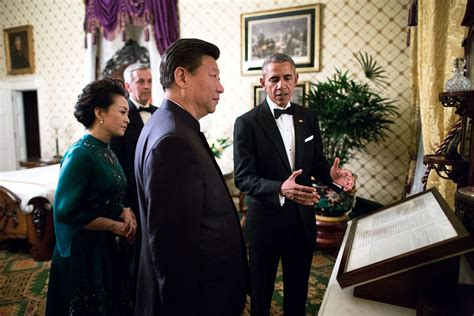 barack obama bedroom file peng liyuan xi jinping and barack obama in the lincoln bedroom jpg wikimedia