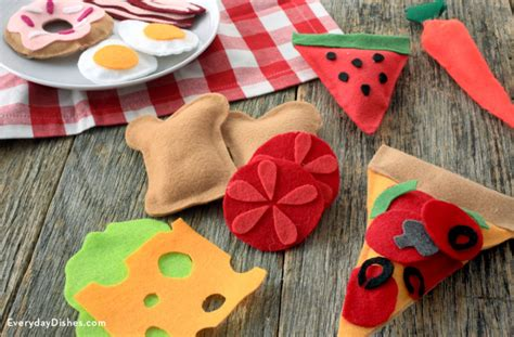 how to make crafts for 9 diy crafts for your play kitchens shelterness