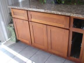 Cherry Shaker Kitchen Cabinets Natural Cherry Shaker Kitchen Cabinets Photo Album