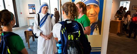 mother teresa biography project home mother teresa project at ave maria university