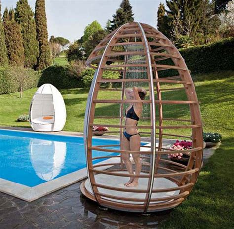 Poo Shower by Pool Shower Idea Pools