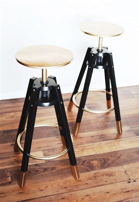 Spray Paint Bar Stools by Oh The Magic Of Gold Spray Paint These 40 Stools Get A