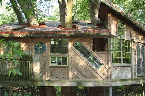treehouse to play tree house chattanooga nature center play chattanooga