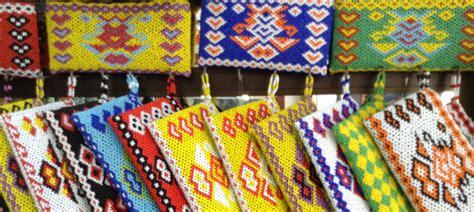Syal Manik Khas Kalimantan 2 wisata belanja berburu batik khas dayak di pontianak