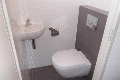 Wandtegels Toilet Wit by Toilet Renoveren Werkspot