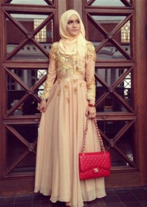 Baju Muslim Wanita Maxy Dress Brocade Combi Dress Brocade Maxy model baju wisuda muslim modis graduation dress