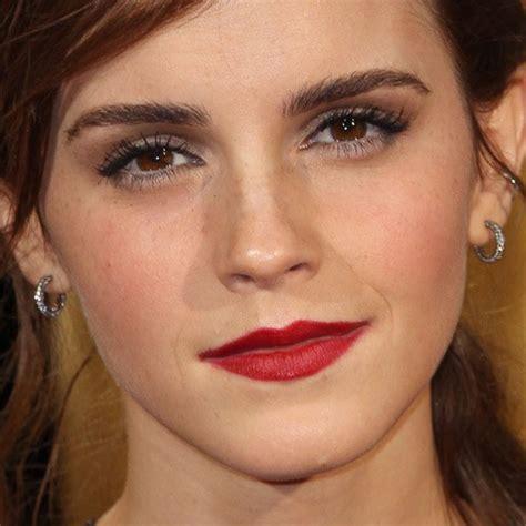 emma watson lipstick emma watson makeup gray eyeshadow taupe eyeshadow red