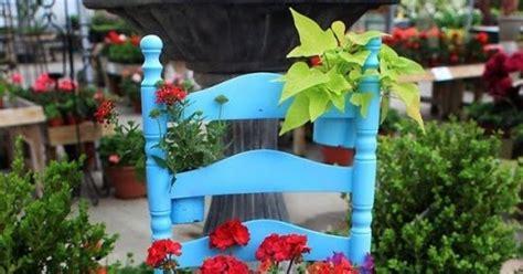 Kursi Taman Bekas taman mini dari kursi bekas tips rumah interior
