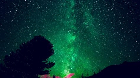 aurora night sky star space nature green wallpaper