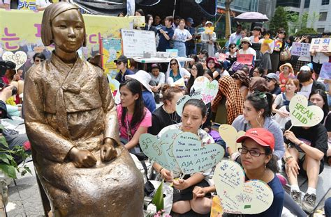 comfort women japan comfort women issue why do the japanese keep apologizing