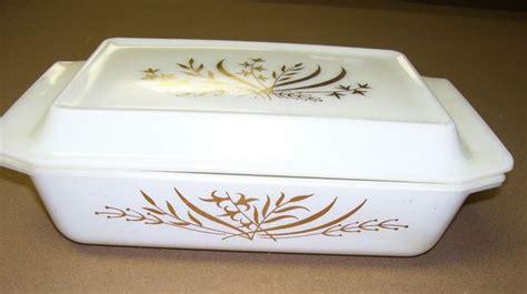 pattern matching qt vintage pyrex 575 b 2 qt casserole baking dish w lid gold