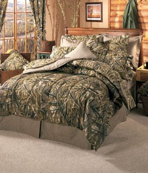 pink realtree bed next camo bedding from castlecreek now camo bedspreads and comforters bedding sets
