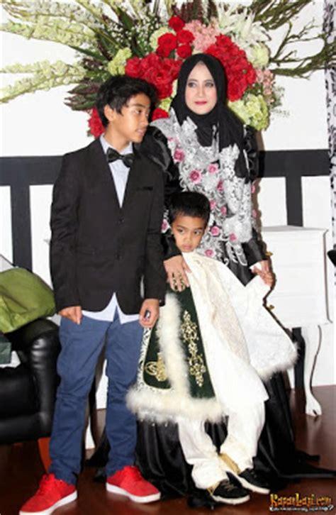 desain gamis umi pipik 15 desain baju muslim umi pipik dian irawati terbaik