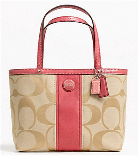 Purse Freebie Im A Herman Bag by It S A Giveaway Coach Purse One Winner