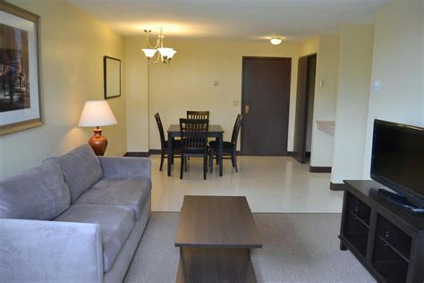 Apartment Rental Agents In Providence Ri Lockwood Plaza Apartments In Providence Rhode Island