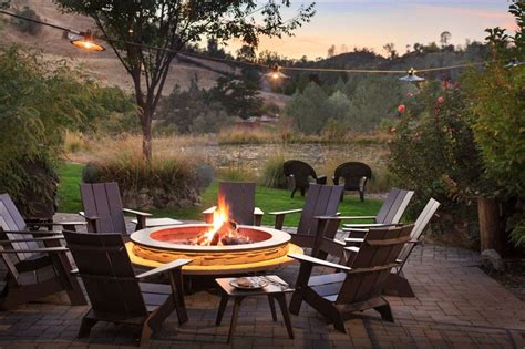California Inns With The Best Outdoor Fire Pits To Cozy Up California Firepit
