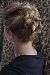 5 great hairstyles for busy moms with shoulder length hair 5 great hairstyles for busy moms with shoulder length hair