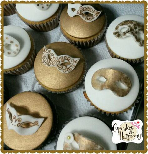 Best 25  Masquerade cupcakes ideas on Pinterest