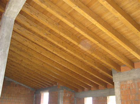 interno in legno tetto in legno lamellare interno dielle legnami