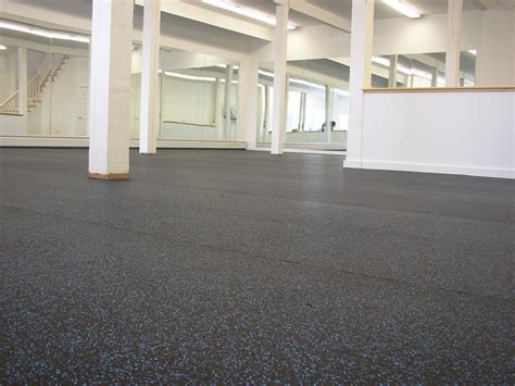 6 Alternative Rubber Flooring Surfaces for Interior Home