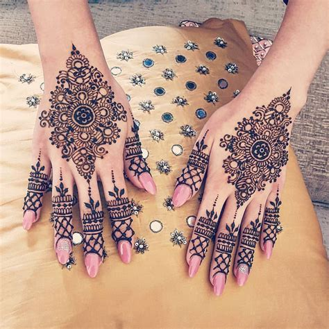 pretty henna tattoos henna me pretty nuriyah o martinez henna