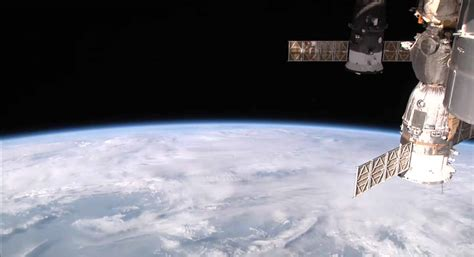 space station live space station now live on 28 images