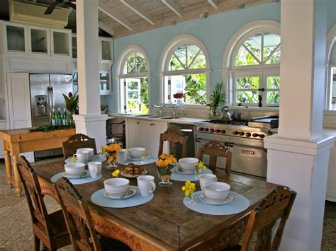 kitchen island options pictures ideas from hgtv hgtv pictures of kitchen chairs and stools seating option
