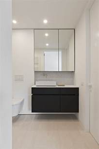 mirrored cabinets bathroom best 25 bathroom mirror cabinet ideas on