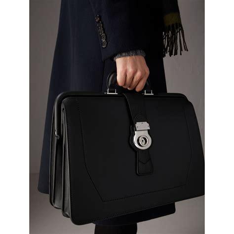 Burberry Doctor Kode 33049 2 burberry the dk88 doctor s bag black modesens