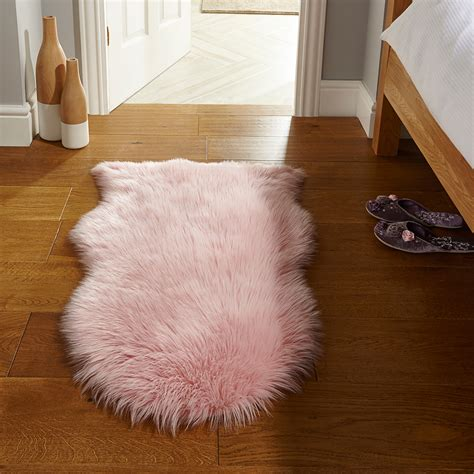 fluffy soft faux fur shaped carpet rug for
